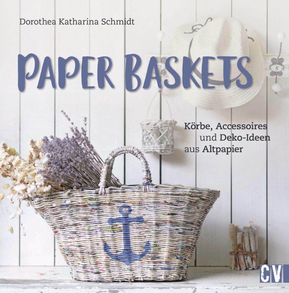 Buch über Korbflechten mit Zeitungen/Altpapier